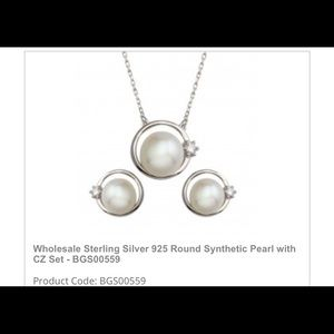 Necklace set whit earrings and pearls